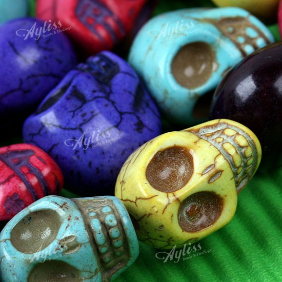 Multicolor Howlite Turquoise Carved Skull Loose Beads